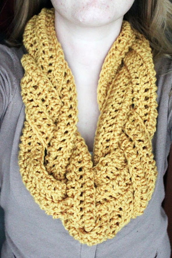 braided-crocheted-scarf