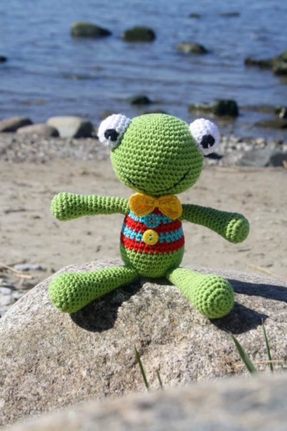 crochet-felix-the-frog