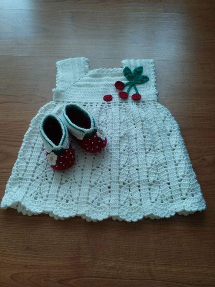 The outfit is really cute and will make a lovely gift, or for just showing off your darling baby girl. Headband is