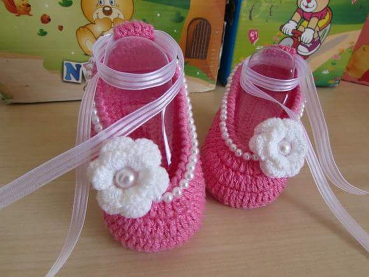 crochet-baby-shoes-11