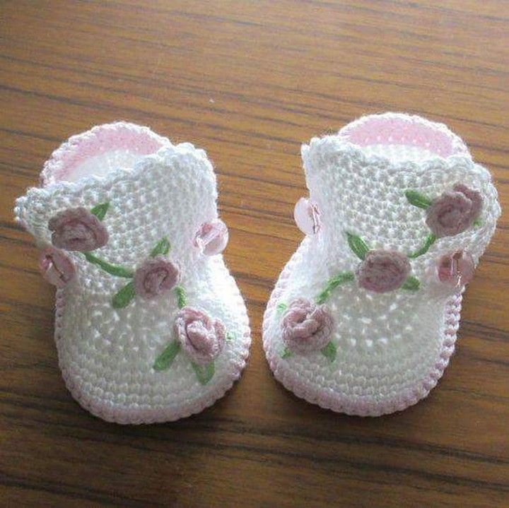 crochet-baby-shoes-13