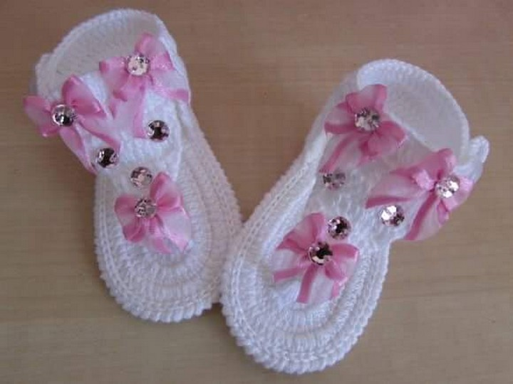crochet-baby-shoes-36