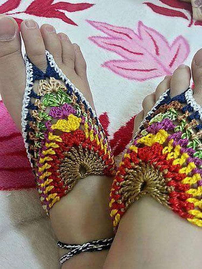 crochet-barefoot-sandal-23