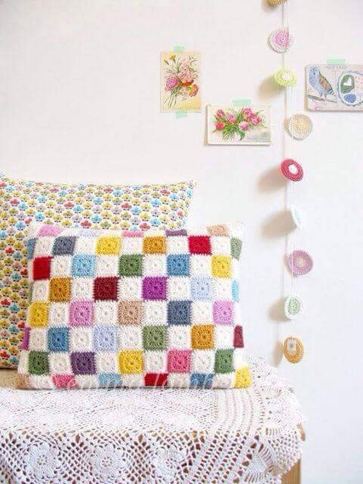 crochet-cushion-11