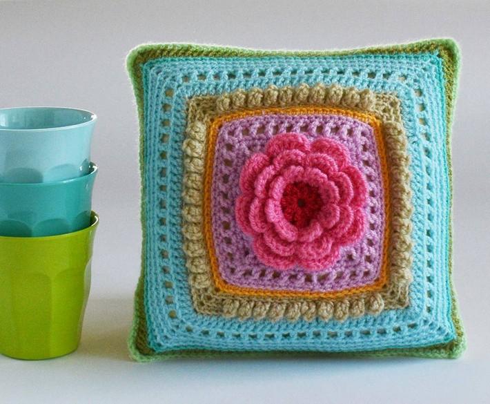 crochet-cushion-24