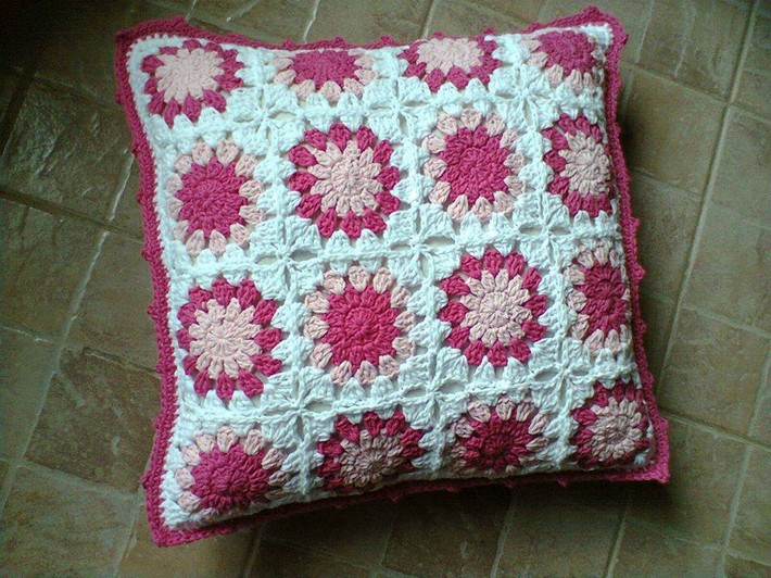crochet-cushion-29