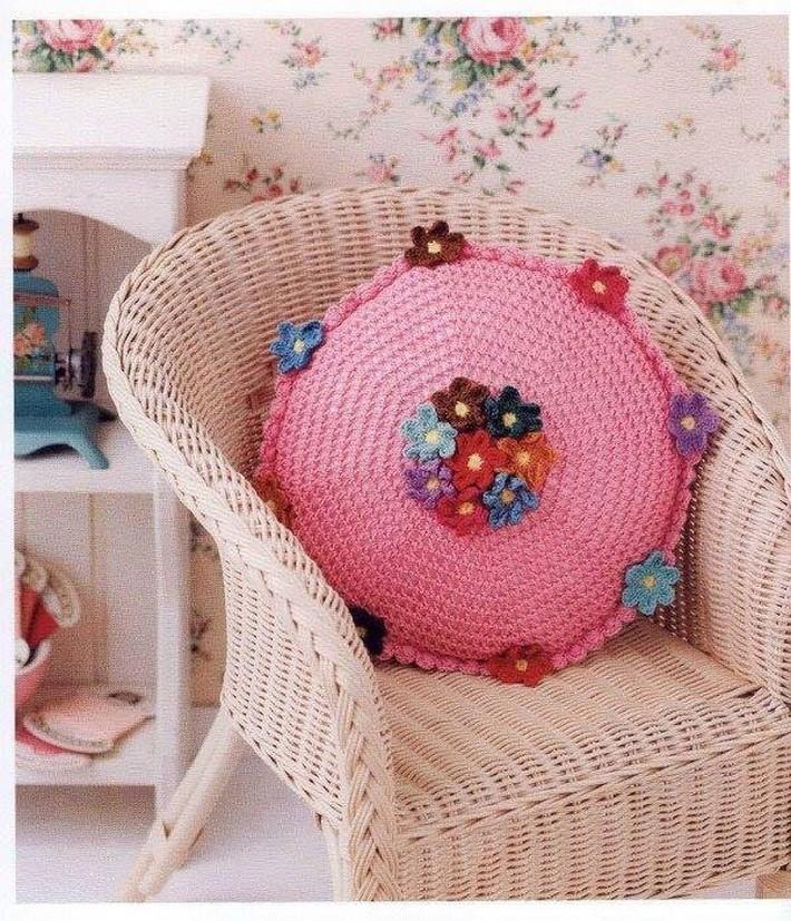 crochet-cushion-34