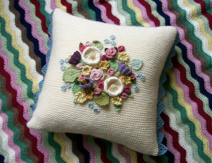 crochet-cushion-37