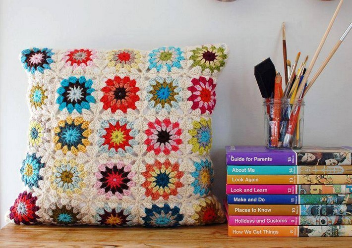 crochet-cushion-5