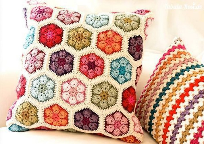 crochet-cushion-8