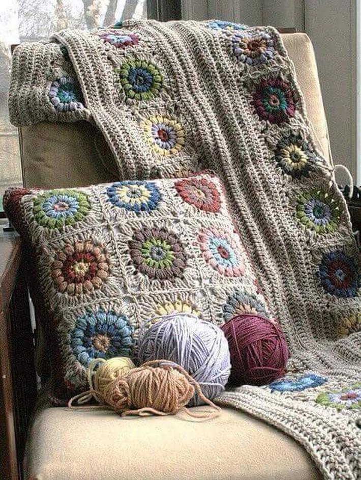 crochet-cushion-9