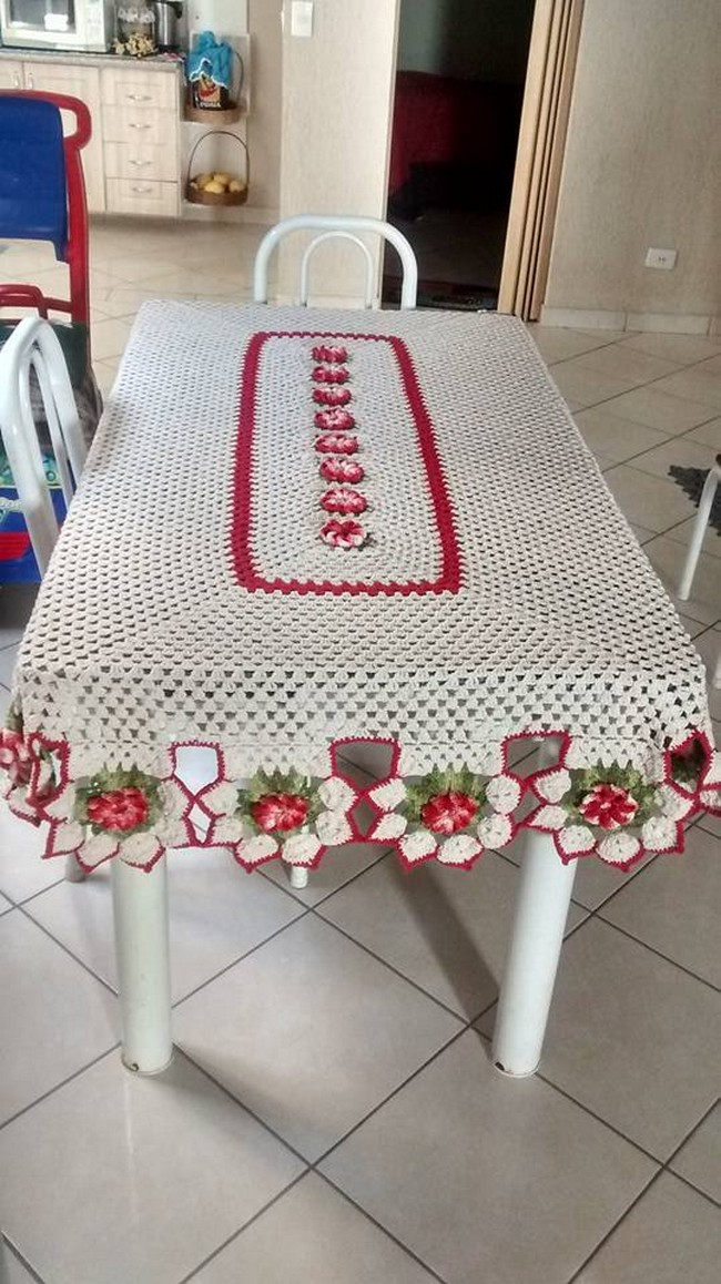 crochet-kitchen-table-top