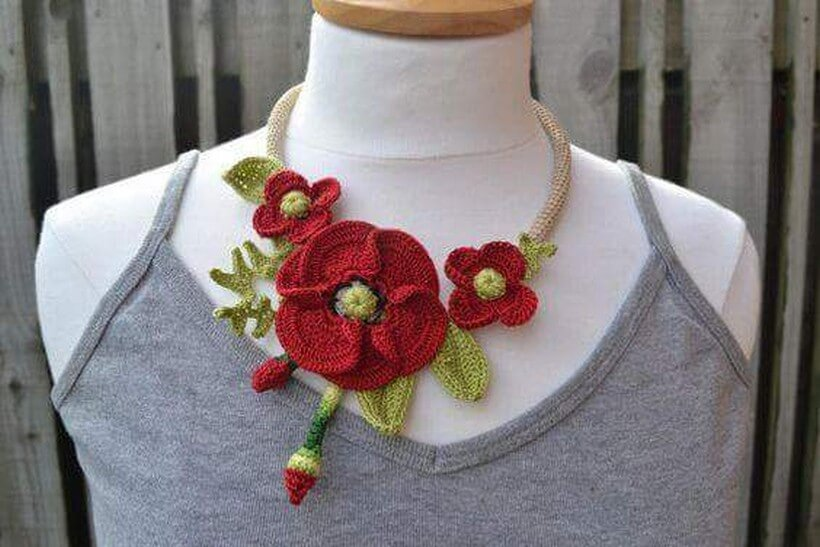 crochet necklace 14