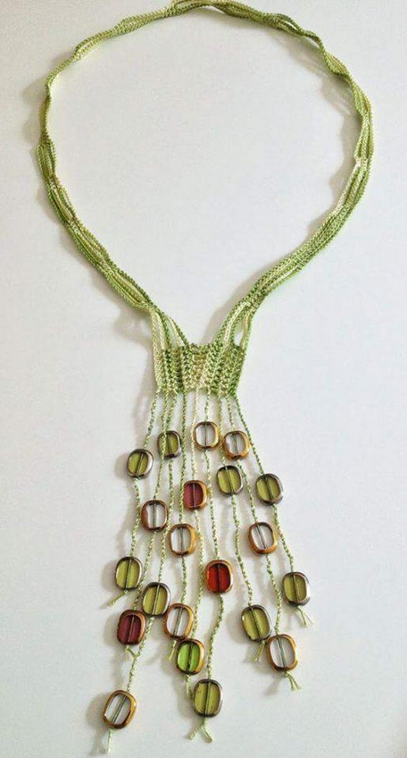 crochet necklace 16