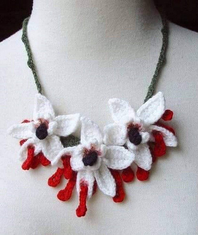 crochet necklace 2