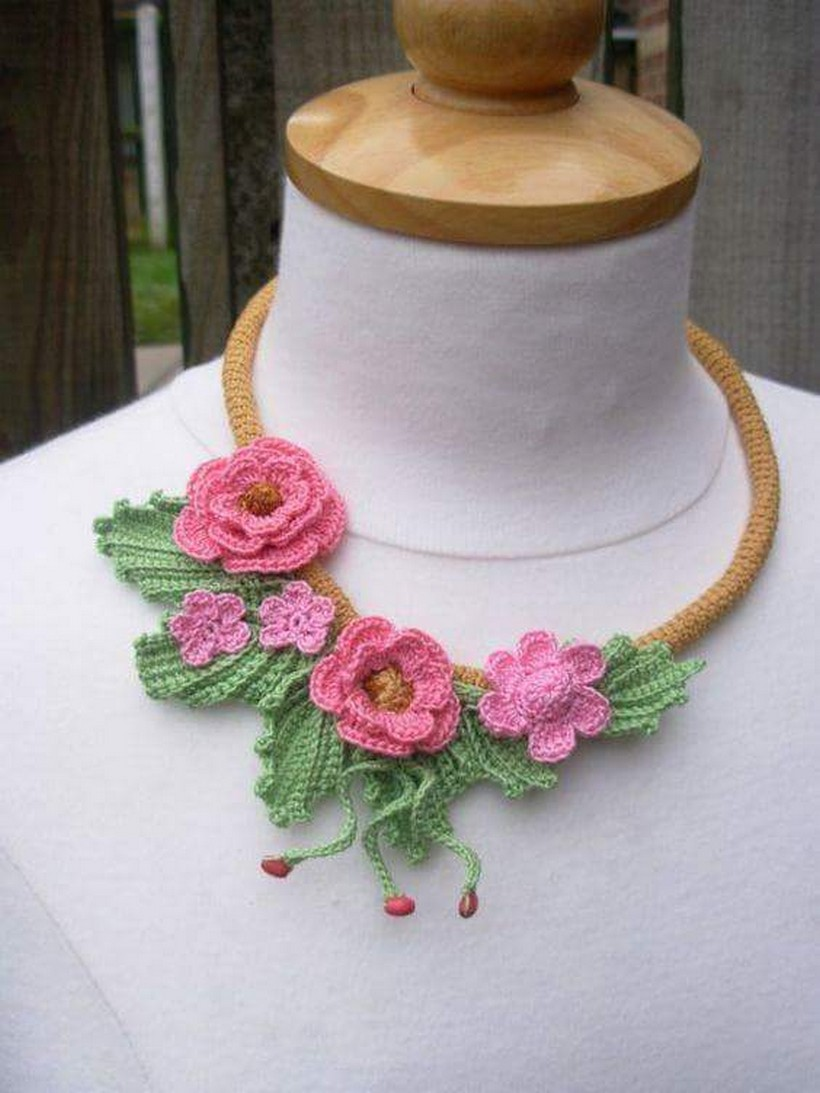 crochet necklace 24