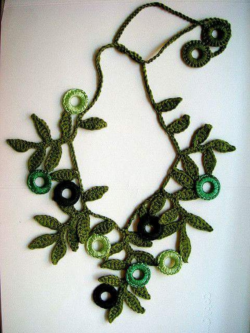 crochet necklace 26