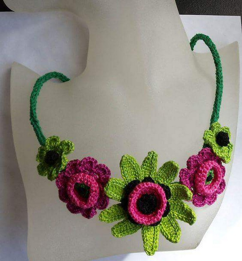crochet necklace 34