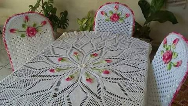 crochet table idea