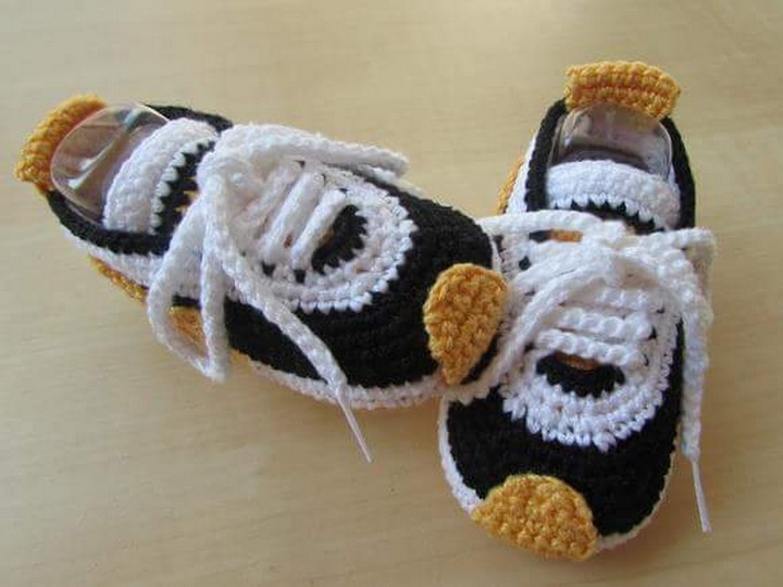 cute-crochet-baby-shoes