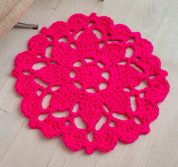 redheart-crochet-rug