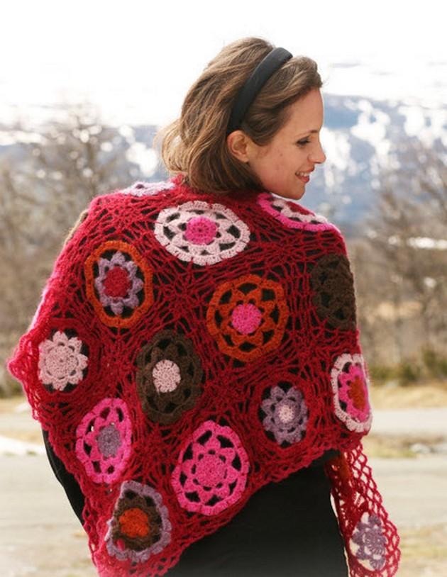 shawl-in-vivald-in-crochet-squares