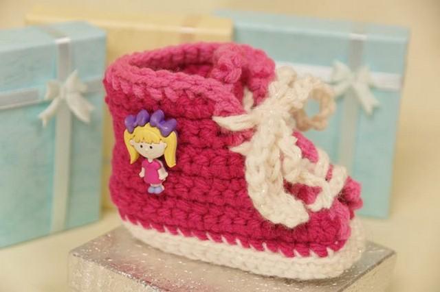 baby-sneaker-booties-crochet-pattern