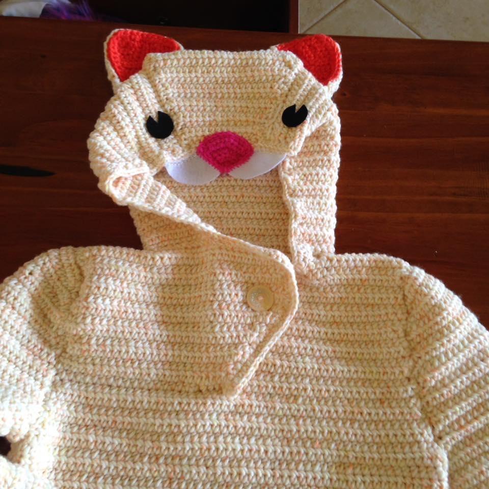 cat-hoodie-crocheting