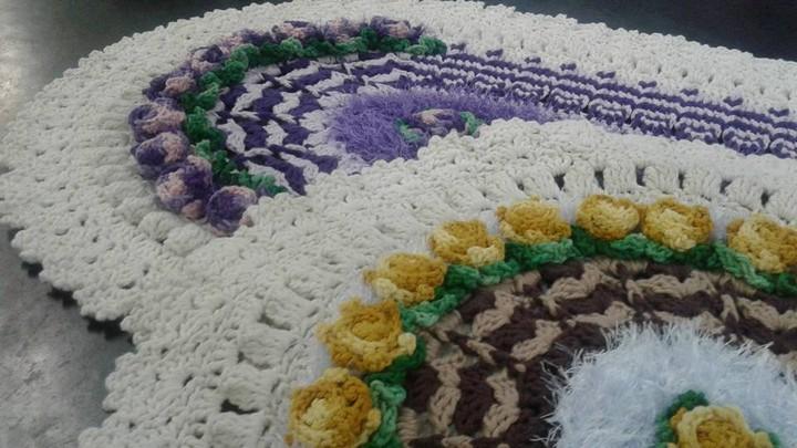 crochet-carpet-oval-3