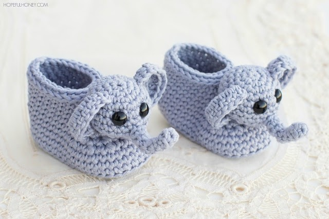 crochet-ellie-the-elephant-baby-booties