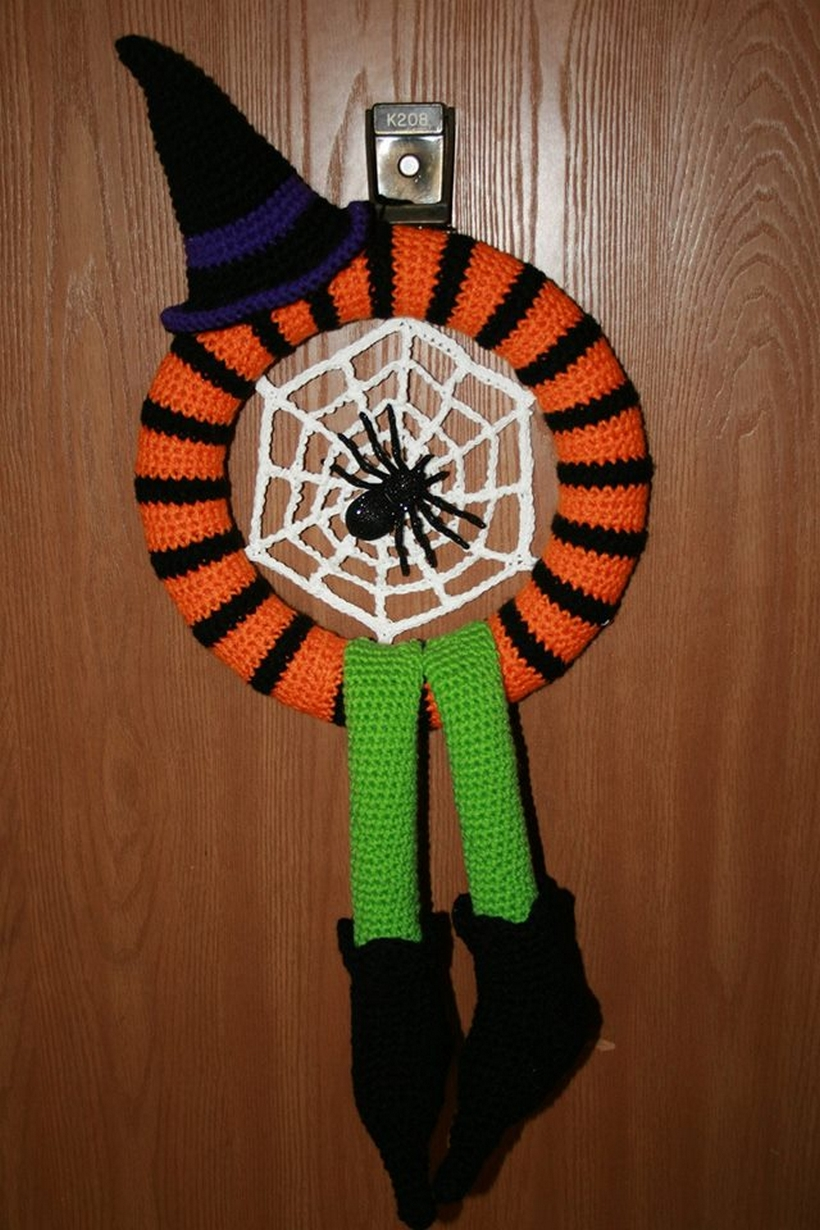 crochet-wreath-halloween