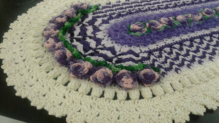 diy-crochet-carpet-oval