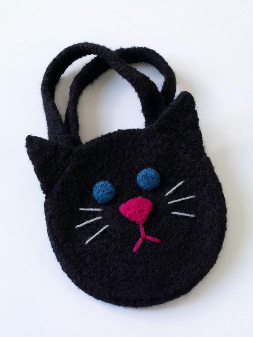 felted-black-cat-bag-pattern