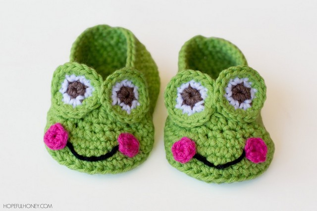 frog-baby-booties-crochet-pattern