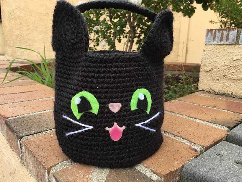 purr-fect-black-cat-halloween-basket