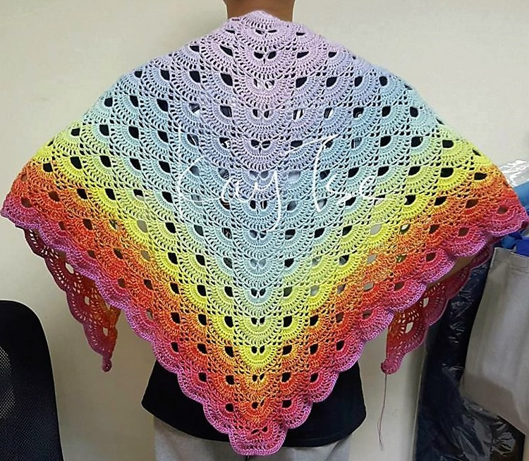 virus-shawl