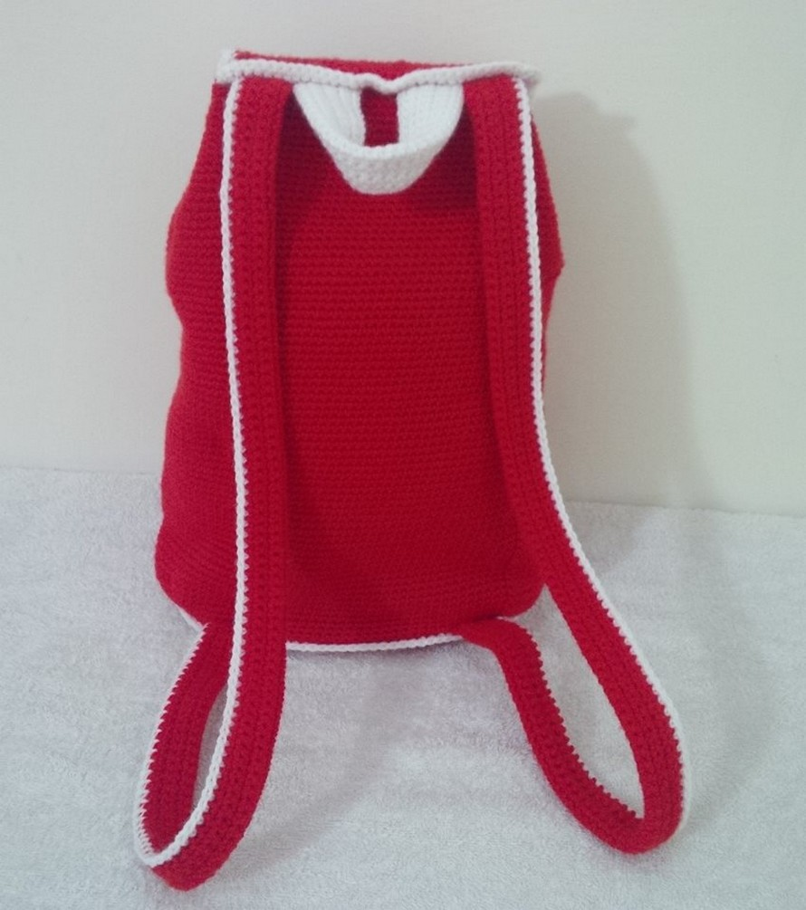 beautiful-crochet-backpack