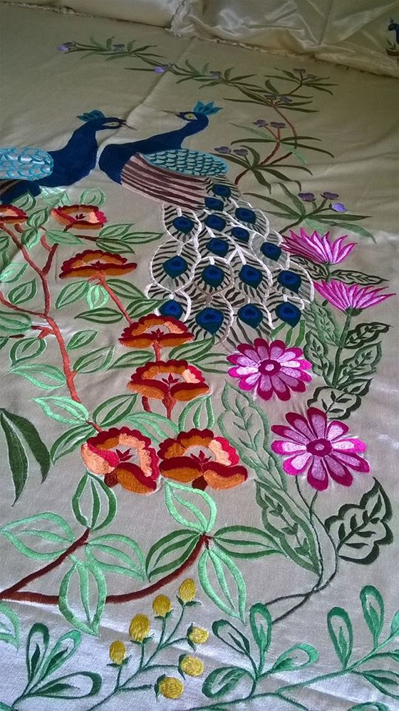 bed-spread-embroidry
