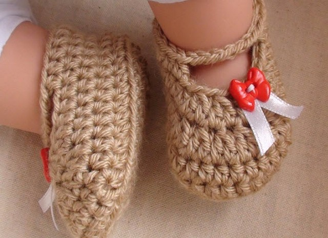 crochet-baby-shoes-4
