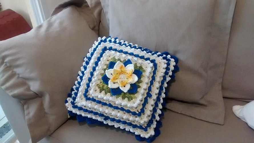 crochet-pillows