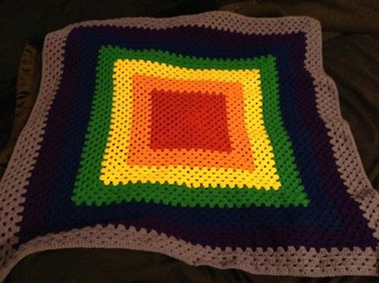 crochet-rainbow-blanket