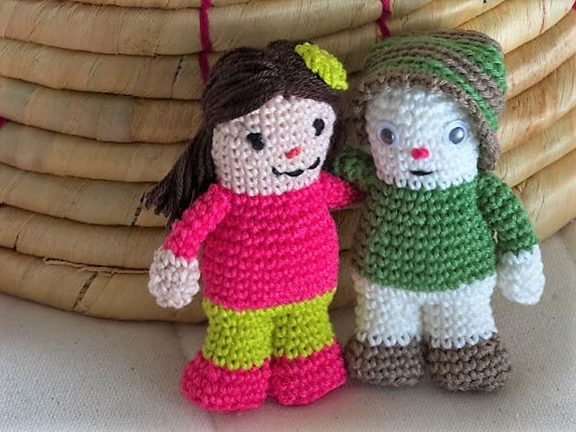 a-small-simple-crochet-doll-a-free-pattern