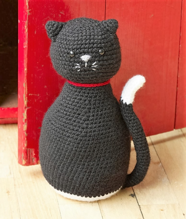 amigurumi-black-cat-door