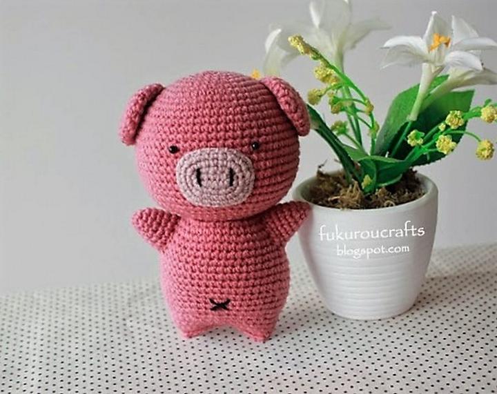 crochet-pig-doll
