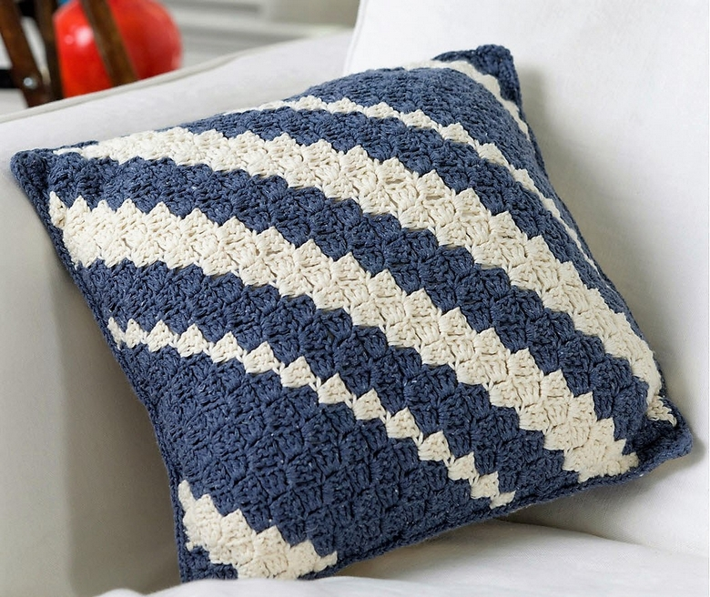 diagonal-pillow-crochet-pattern