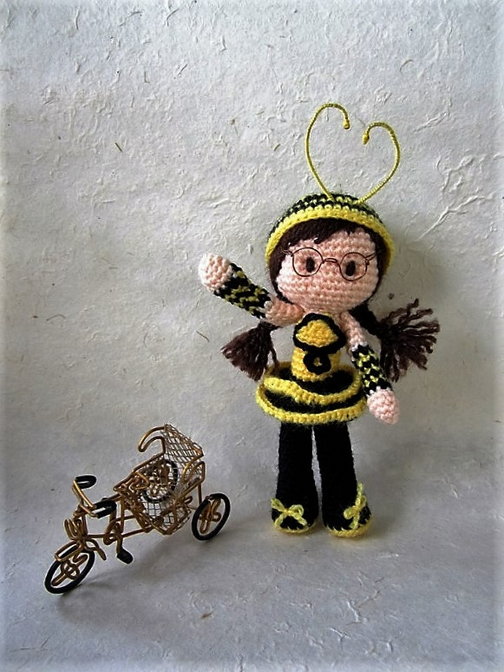 free-bee-girl-amigurumi-pattern