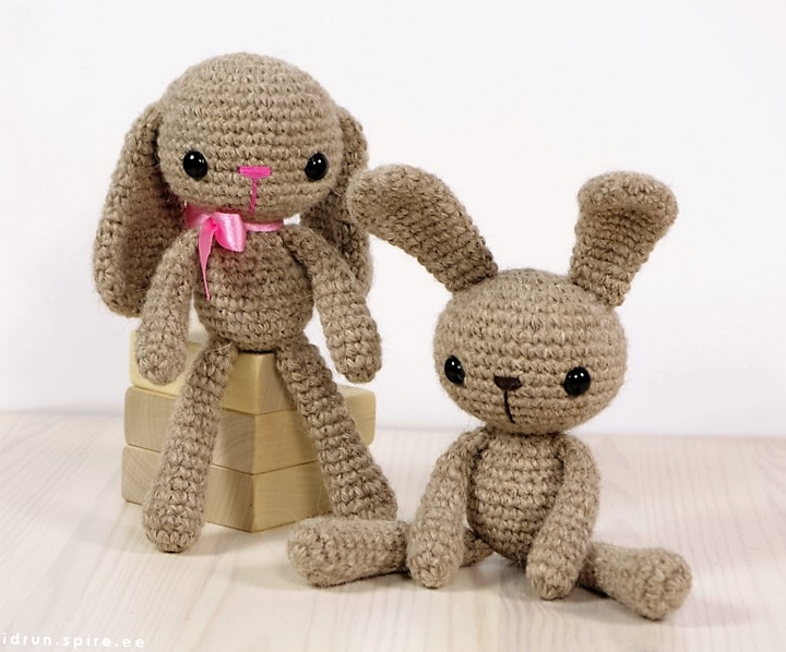 free-pattern-small-long-legged-bunny
