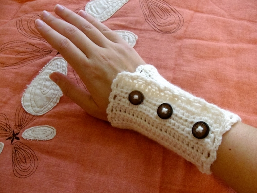 lacy-wristers-pattern