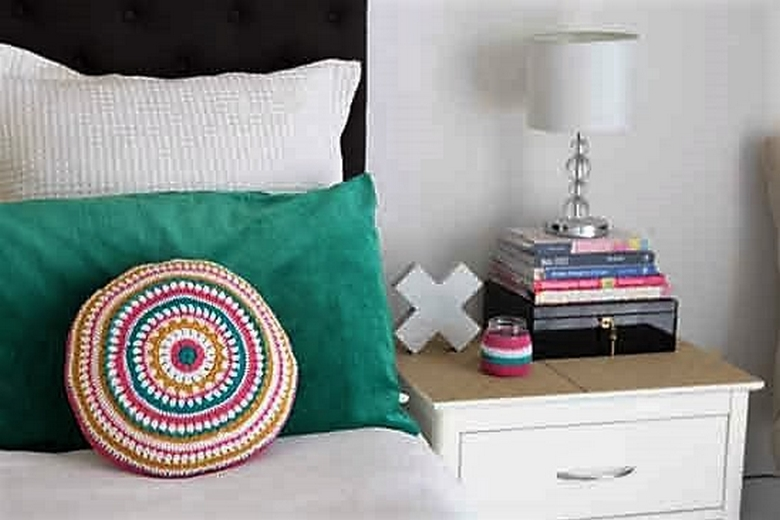 mandys-mega-mandala-cushion-pattern