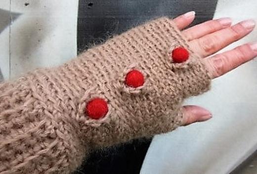 medici-crochet-mittens